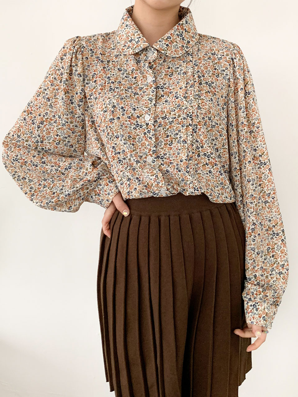 pin tuck floral blouse(2color)