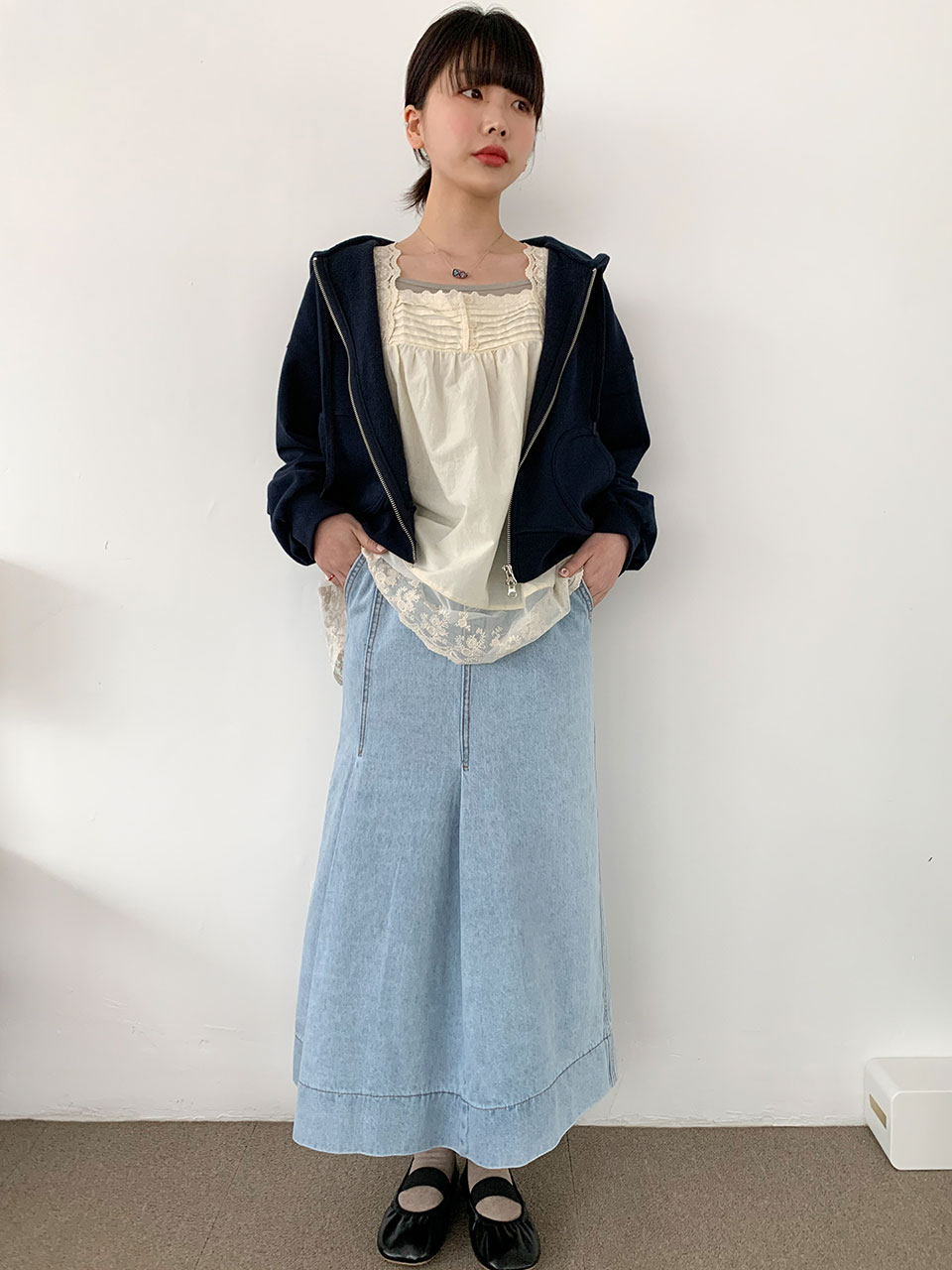 unbalance tuck denim skirt
