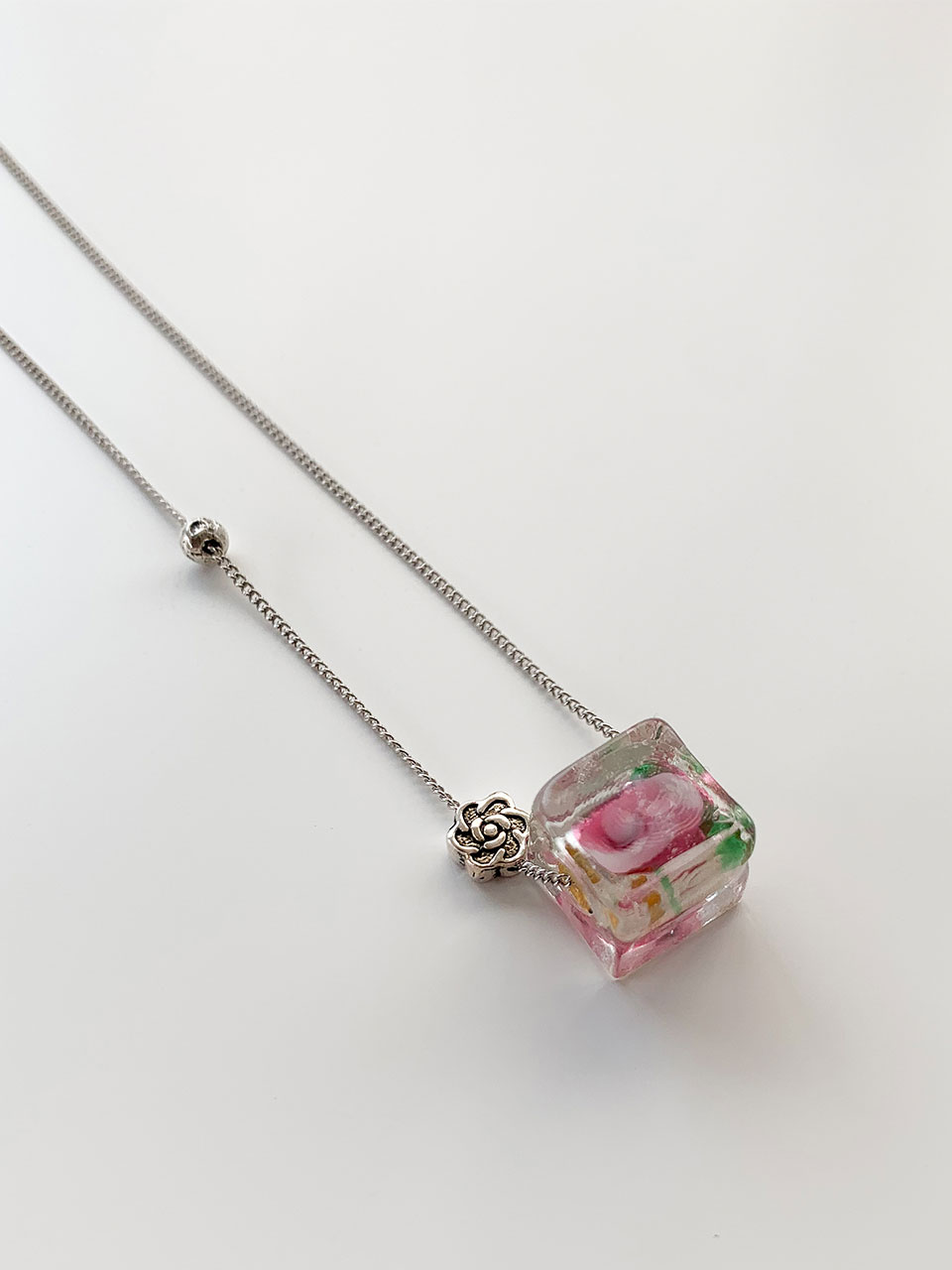 ciols made)square flower necklace